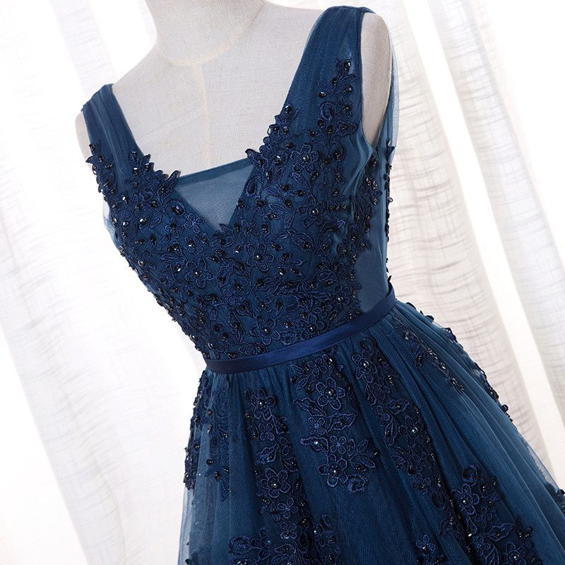 Vestido De Festa V Neck Cap Sleeve Vintage Lace Appliques Beaded Navy Blue Bridesmaid Dresses Women Formal Party Gowns