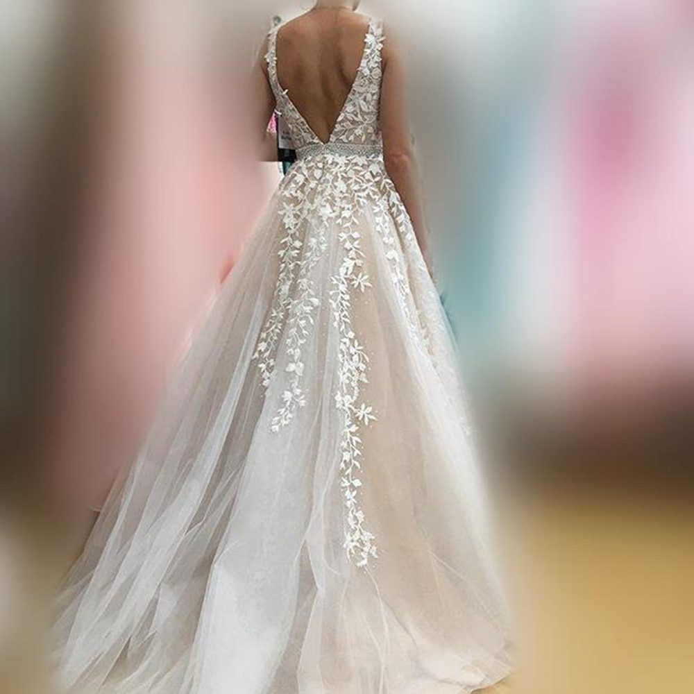 V Neck Wedding Dresses Light Champagne Floor Length Applique Open Back Sleeveless A Line Backless Bridal Dress Vestido De Noiva